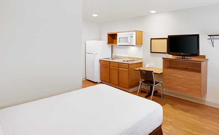 extended stay hotels in kansas city mo woodspring suites. Black Bedroom Furniture Sets. Home Design Ideas