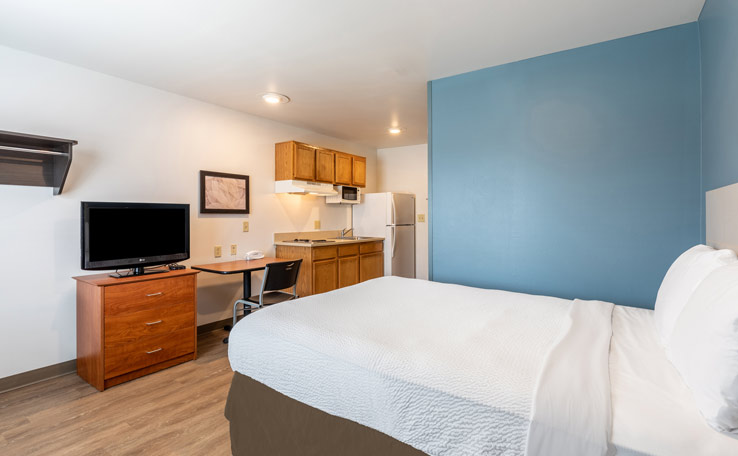 Extended Stay Hotels in Sanford, FL Near Orlando, FL | WoodSpring Suites