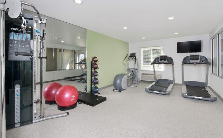 Extended Stay Hotel in Pooler, GA | WoodSpring Suites
